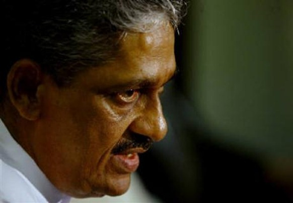 Former army chief Sarath Fonseka, who was stripped of his military ranks during a court marshal, speaks at a news conference in Colombo September 8, 2010. Credit: Reuters Dinuka Liyanawatte