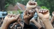 Activists demonstrate outside a prison in Colombo afp