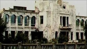 Organised Sinhalese mobs attacked and burnt the library over two days in mid-1981