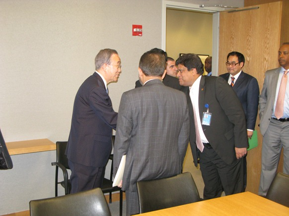 UN's Ban and Silva, Kohona looks on, ICC not shown  (c) MLee