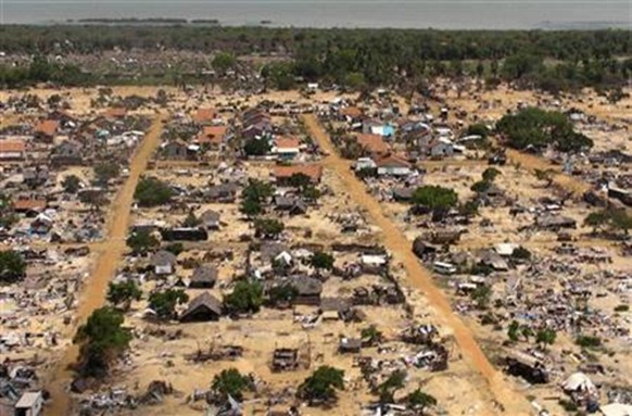 An aerial view of a former battlefront can be seen from the helicopter carrying U.N. Secretary-General Ban Ki-moon during his visit, which also included a visit to the refugee camp called Manik Farm, on the outskirts of the northern Sri Lankan town of Vavuniya May 23, 2009