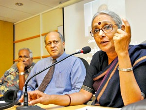 Indian civic rights activist Aruna Roy who campaigned for a Right to Information Act in India explaining the merits of such legislation especially in eliminating corruption in the state sector as she delivers a lecture at the Sri Lanka Press Institute in July 2009