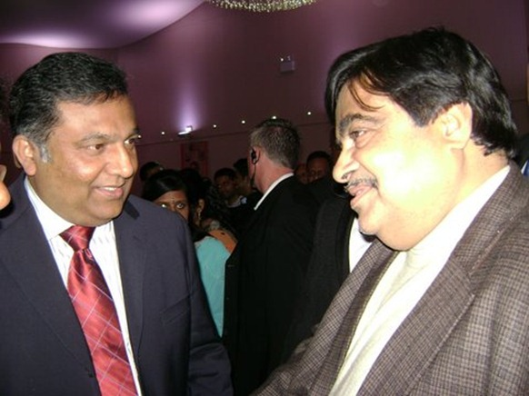 Bharatiya Janata Party President Nitin Gadkari [right] discussing with BTF leader Ravi Kumar