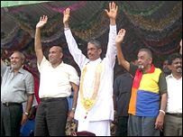 The JVP joined UNP and the TNA to support Fonseka presidency