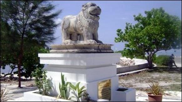 SL_monument_maldives_95948_445
