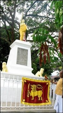 Wariyapola Sri Sumangala Thera [Image courtesy: sinhale.wordpress.com]