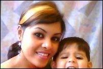 Garolin_with_child_96713_200