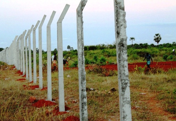Freshly-laid permanent fence for the Sinhala military region in the northern coast of Jaffna