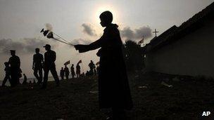 Catholics straddle the ethnic divide in Sri Lanka