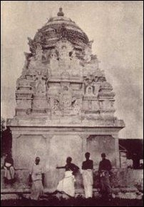 The temple rebuilt by Pasupathy Cheddiyaar in the 19th century at Thirukkeatheesvaram, photographed in 1930. [Photo courtesy: Thiruketheeswaram.com]