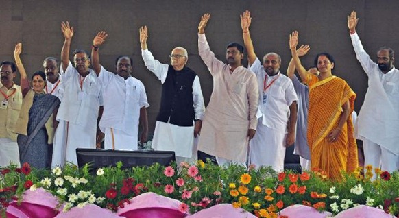 The Hindu BJP leaders L.K.Advani,Sushma Swaraj, P.Murulidher Rao, L. Ganesan, Pon.Radhakrishnan among others at the party's 5th Tamil Nadu State Conference in Madurai on Thursday. Photo: S. James