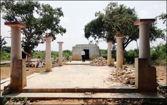 Another nearby temple for Vayiravar found destroyed in bombing in the HSZ, I'lavaalai [Image courtesy: History Department, University of Jaffna]
