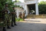 Sri Lankan Special Task Force soldiers stand guard outside the Colombo High Court (AFP/File, Ishara S.Kodikara)
