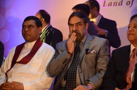 Commerce Minister Anand Sharma (C), flanked by Sri Lankan Ministers Basil Rajapaksa (left) and Sarath Amunugama, at the inauguration of the India Show, in Colombo on Friday. Photo: R.K. Radhakrishnan