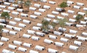 Menik Farm refugee camp in Cheddikulam in 2009 (AFP/File, Joe Klamar)