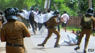 The arrests follow clashes in Jaffna last week between police and students