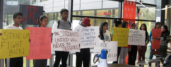 Canada_students_protest_03
