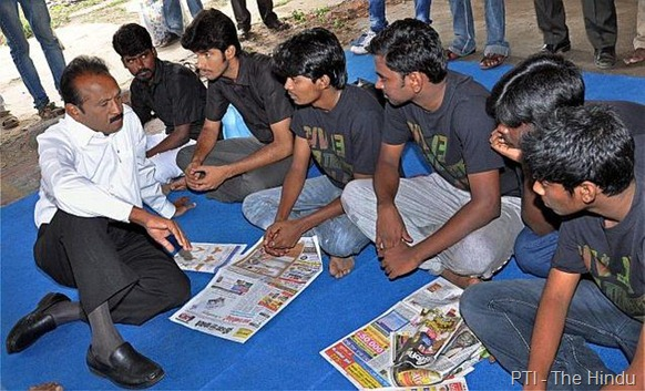 PTI MDMK chief Vaiko interacting with college students who are staging 'fast-unto-death' over the Sri Lankan Tamils' issues, in Chennai on Saturday.