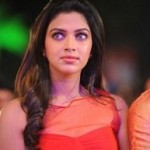 Amala Paul targets Ajith and Suriya
