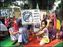 SDPI_protest_02_105232_200
