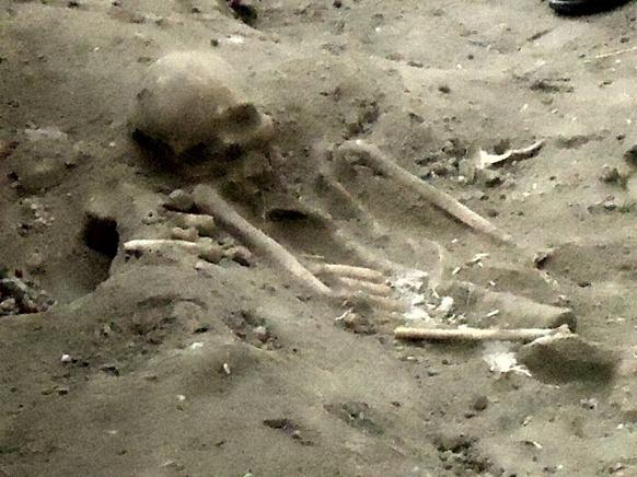 Mannaar_mass_grave_02