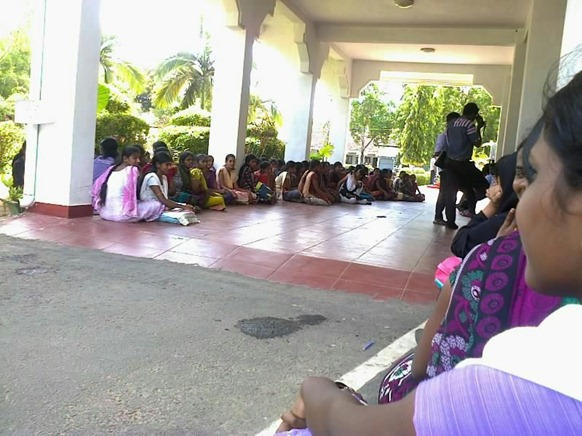 Students_Eastern_Univ_07