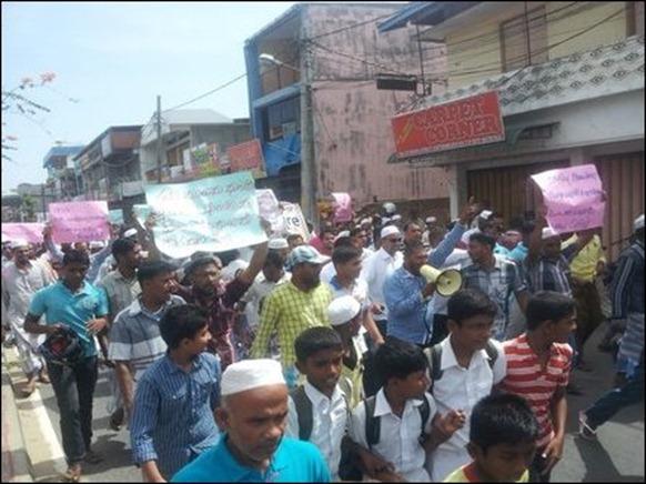 Kaaththaankudi_protest_02_107210_445