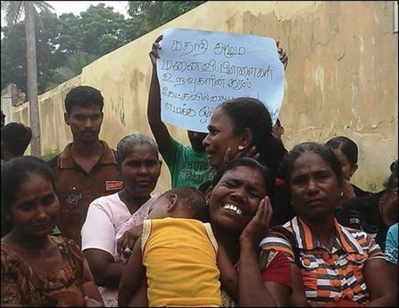 Kurunakar_families_protest_01_107918_445