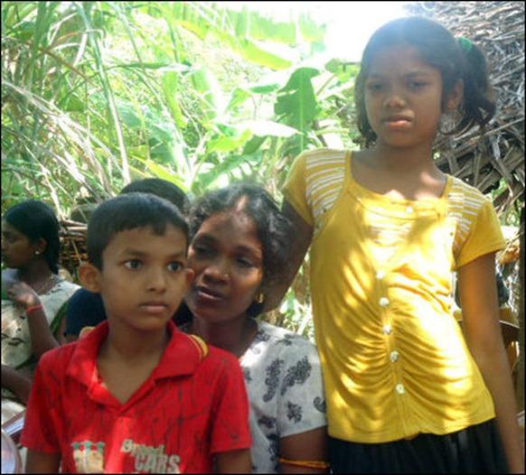 Nakuleswaran_wife_children_108011_445